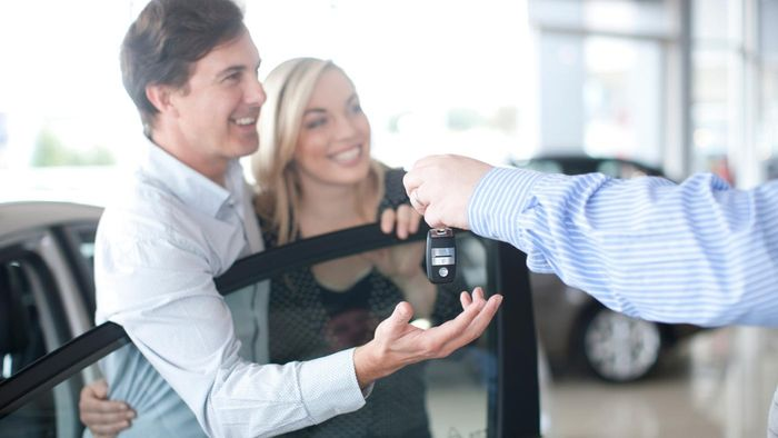 What Are the Pros and Cons of Leasing or Buying a Car?