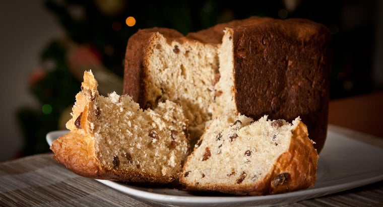 What Is a Simple Recipe for Panettone?