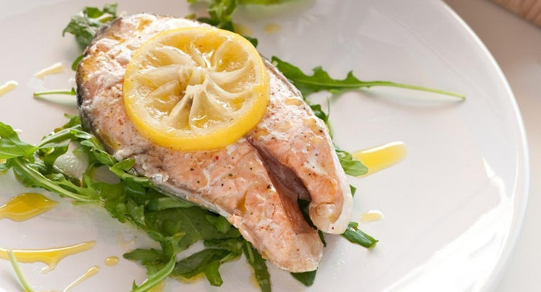 How Do You Keep an Oven-Baked Salmon Fillet From Drying Out?