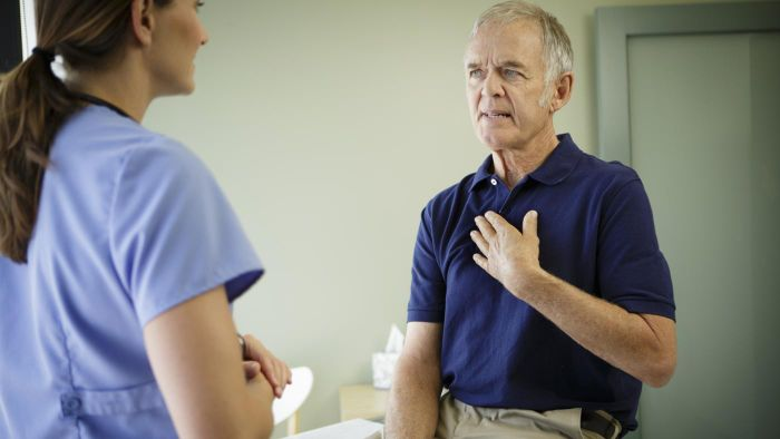 What is the difference between a minor and major heart attack?
