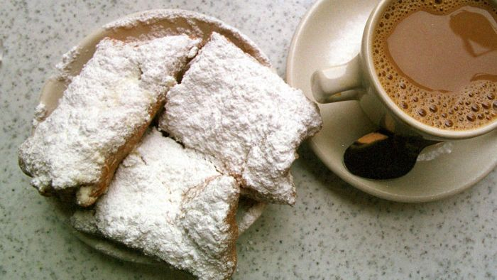 What Is an Easy Recipe for Beignets?