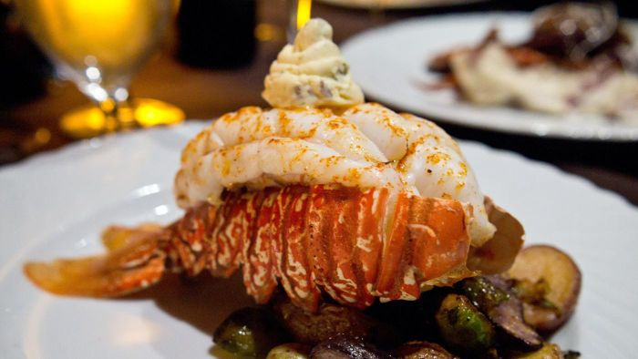 How Do You Cook Frozen Lobster Tails?