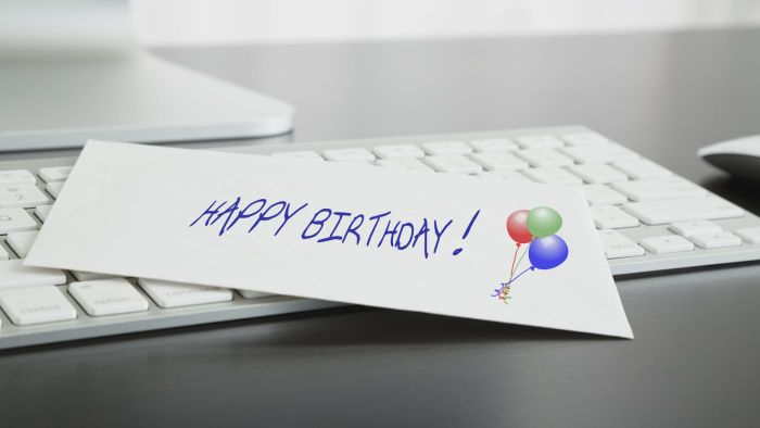 How Do You Make a Personalized Birthday Card?