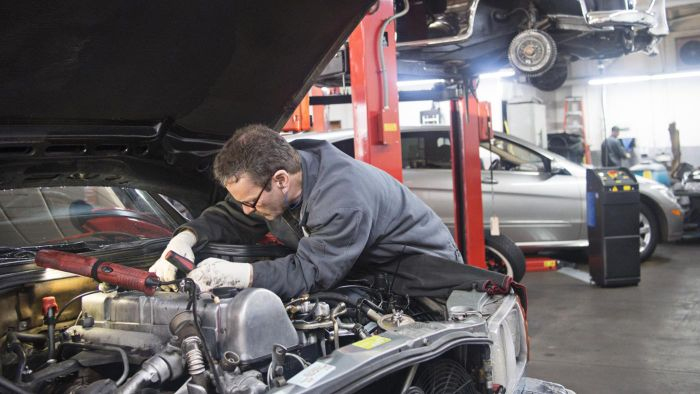 How Do You Stop an Oil Leak in the Engine?