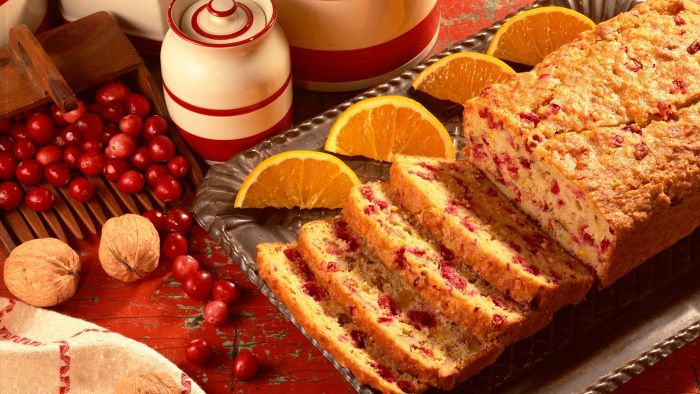 What Is a Good Recipe for Moist Cranberry Nut Bread?