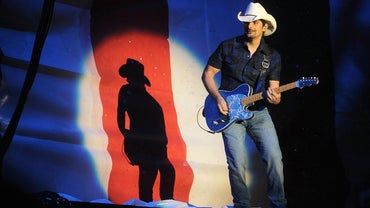 Who Are Some Popular Classic Country Artists?