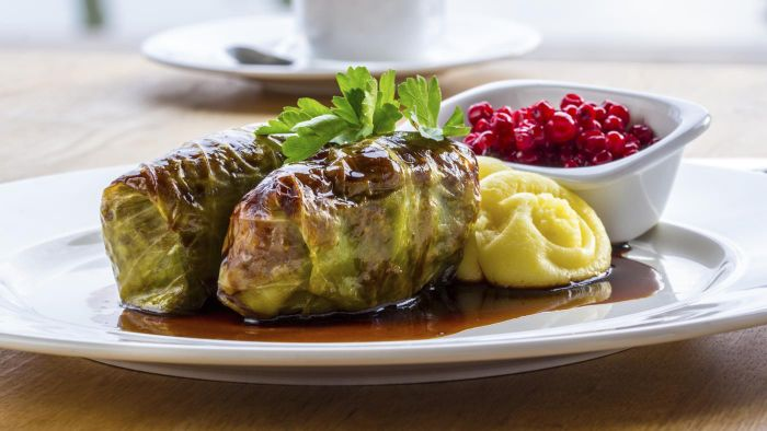 What Is a Simple Cabbage Roll Recipe?