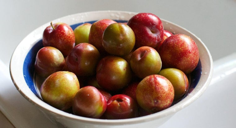 What Are Some Recipes That Use Fresh Plums?