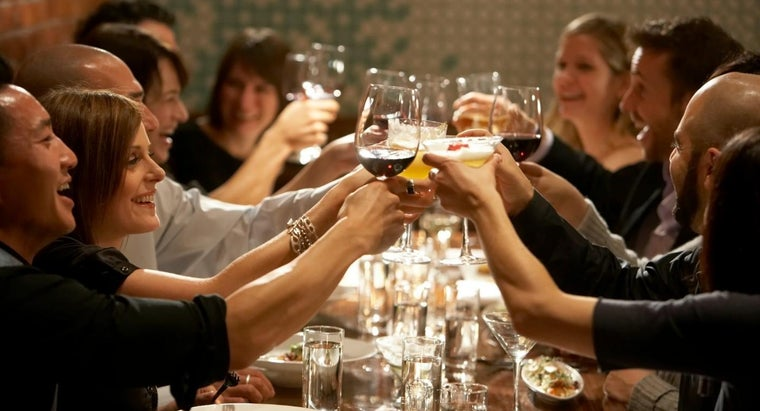 What Are Some Unique Rehearsal Dinner Ideas?