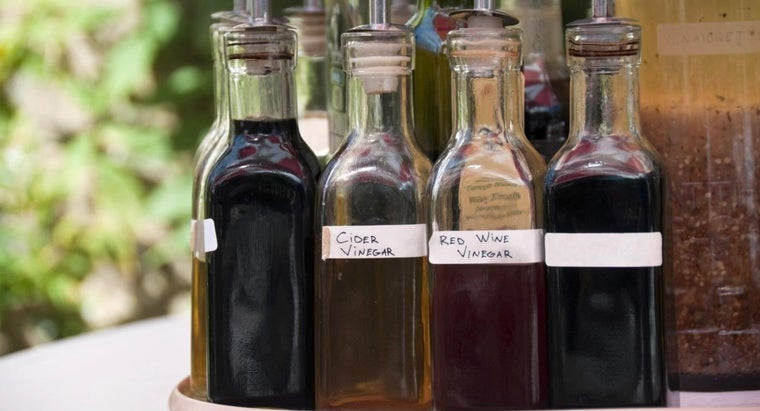 What Are Some Recipes for Homemade Red Wine Vinegar?