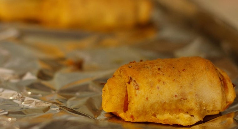 What Are Some Simple Recipes for Pepperoni Rolls?