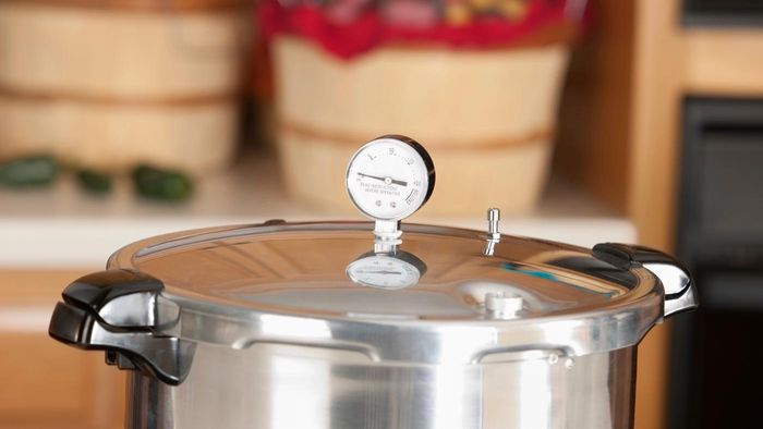 What Are Some Simple Pressure Cooker Recipes?
