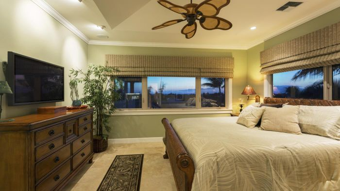 What are some romantic master bedroom designs?
