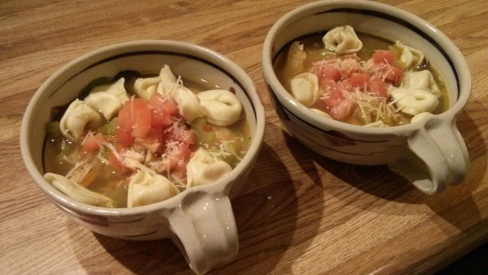 How Do You Cook Tortellini Soup in a Crock Pot?