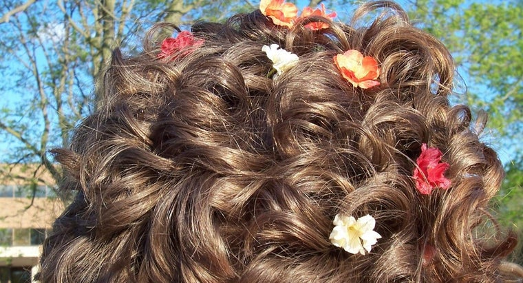 How Can You Find Popular Prom Styles for Medium Hair?