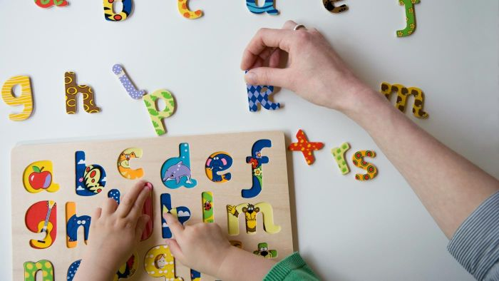 What are some types of spelling games?