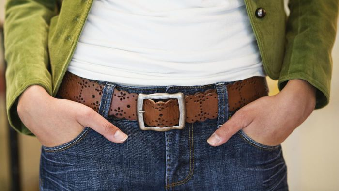 What are some places that offer online belt sizing charts?