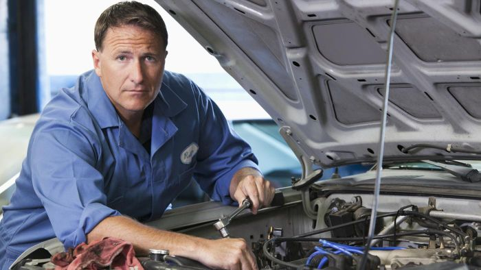 How Do You Replace an Automatic Transmission?