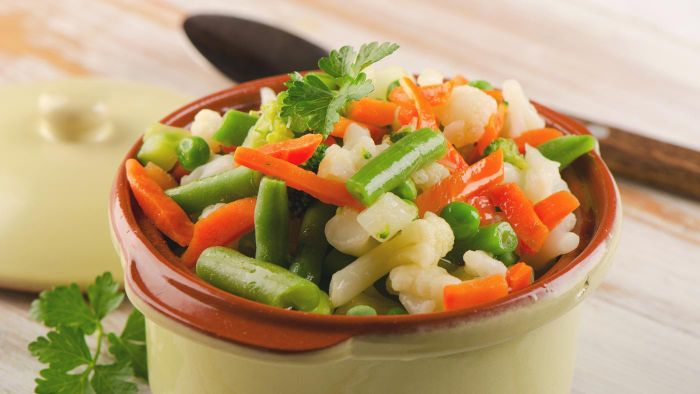 What Is a Good Recipe for Steamed Vegetables?