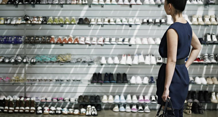 What Are Some Shoe Department Websites From Major Retailers?
