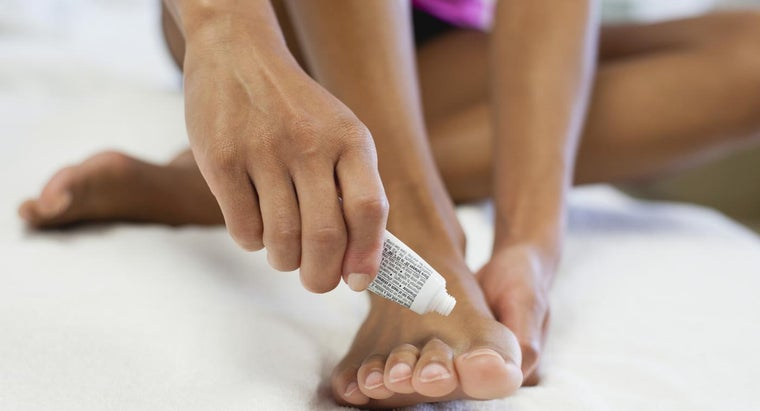 What Are Some Home Remedies for Athlete's Foot?