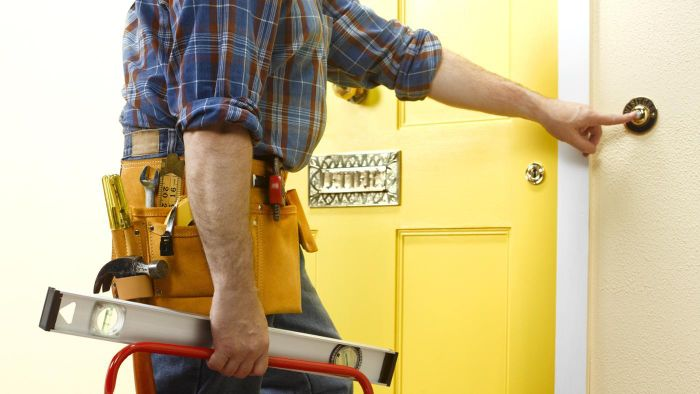 How Do You Find Work As a Handyman?