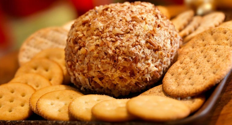 How Do You Make a Cheese Ball for a Party?