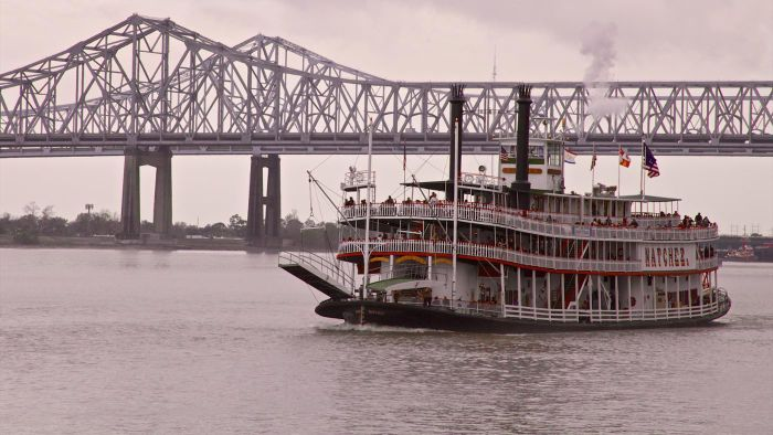 Do Any Companies Offer Mississippi River Cruises?