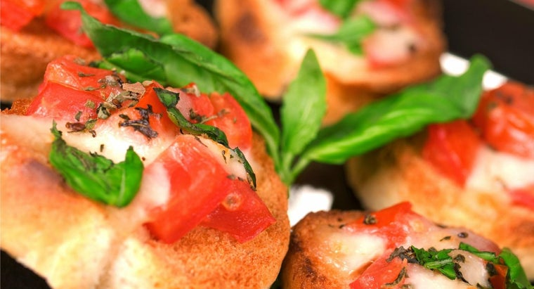What Ingredients Do You Need for an Easy Italian Bruschetta Recipe?