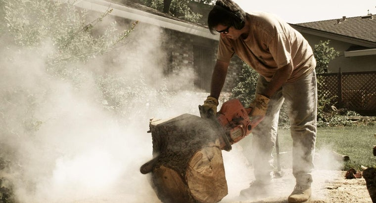 How Do You Safely Sharpen a Chain Saw?