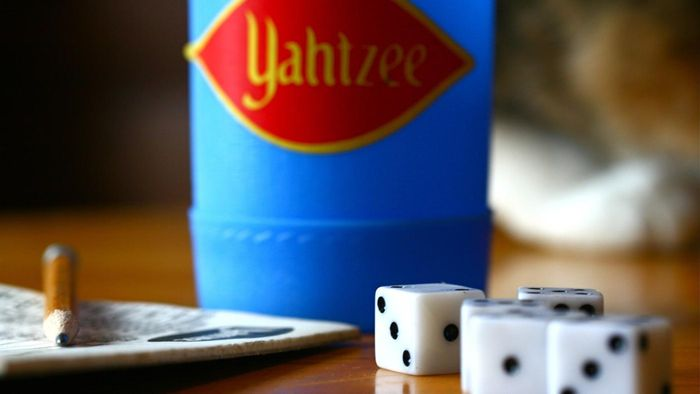 Can you download printable Yahtzee sheets online?