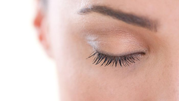 What are some natural remedies for a sty on the eyelid?