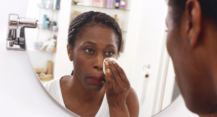 What Are the Common Uses of Witch Hazel?
