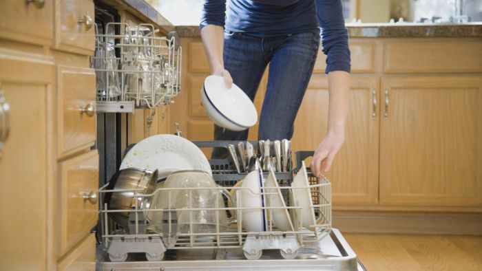 What Specifications Should You Look for in a Dishwasher?