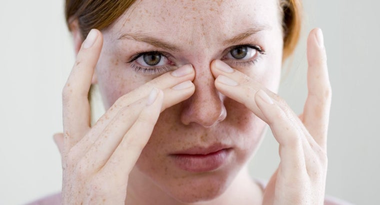 Can You Remove Eyelid Skin Tags at Home?