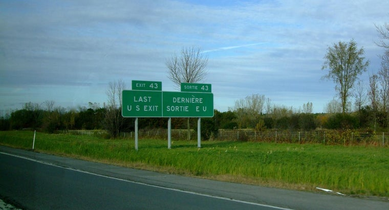 What Are the Rules for Crossing the Canadian Border?