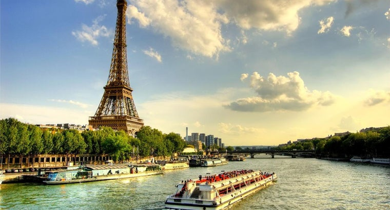 What Are Some Things to Do in Paris, France?
