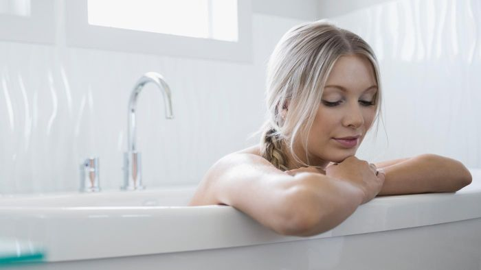 What Are the Benefits of Taking a Bath With Epsom Salts?