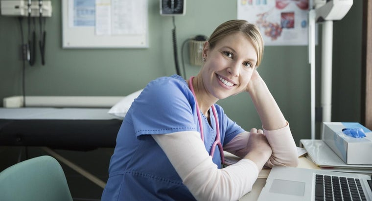 What Are a Few Degree Requirements for RNs?