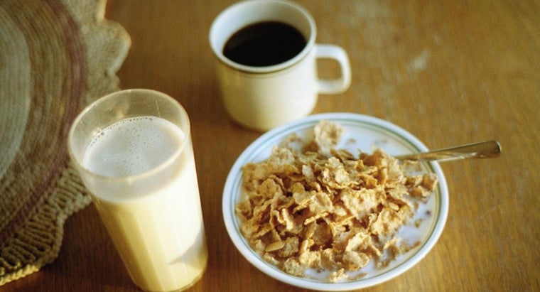 What Are the Ingredients in Silk Almond Milk?
