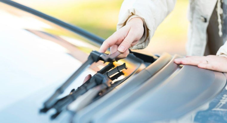 What Are Some Tips for Removing Windshield Wipers?