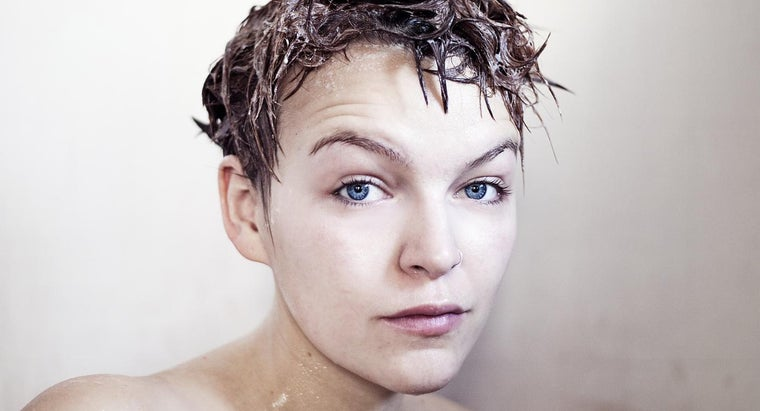 What Are Some Brands of Sulfate-Free Shampoo?