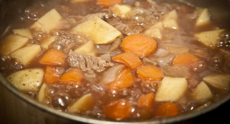 What Are Some Easy Slow Cooker Recipes for Beef Stew?