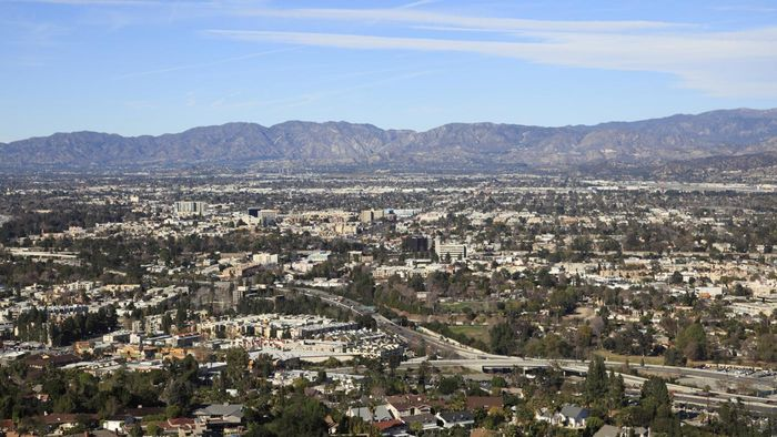 What Types of Homes Are Available in the San Fernando Valley?