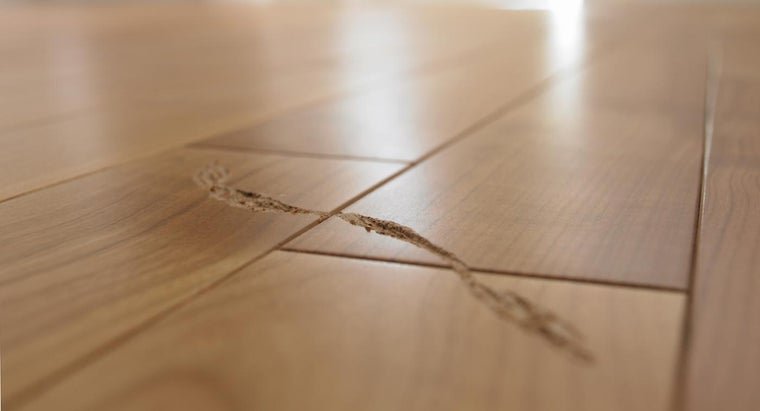 What Is a Good Scratch Remover for a Hardwood Floor?