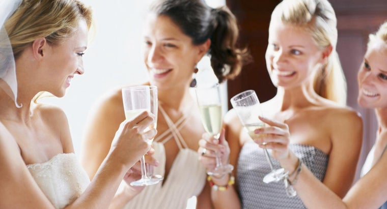 What Are Some Short Maid of Honor Speeches?