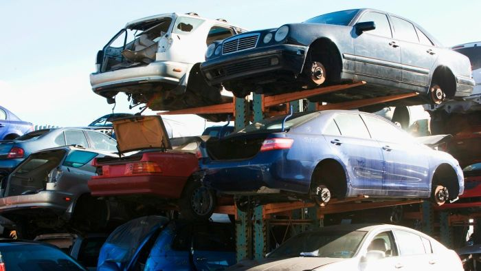 Where Can You Find Salvaged Cars for Sale?