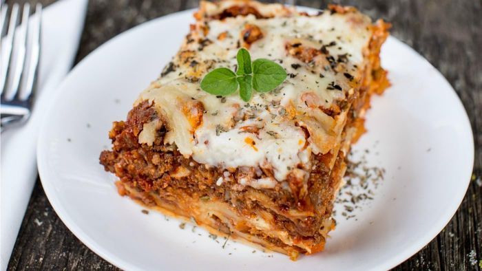 What Is a Recipe for Homemade Lasagna?