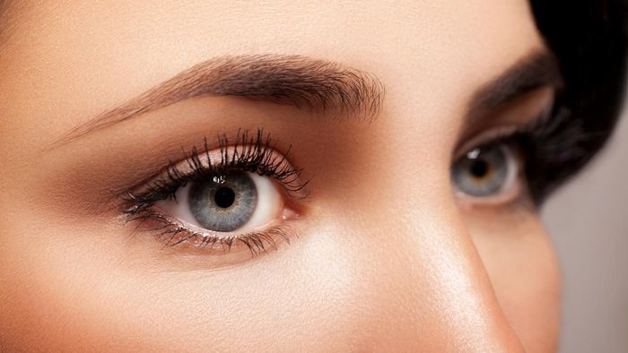What Are Some Reasons You Lose Eyelashes?
