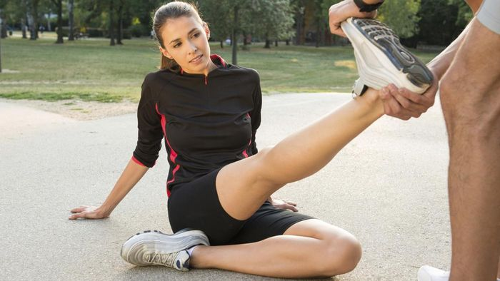 What are some causes of leg cramps in the calves?
